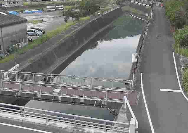 小田浦川新町橋ライブカメラは、熊本県芦北町小田浦の新町橋に設置された小田浦川が見えるライブカメラです。