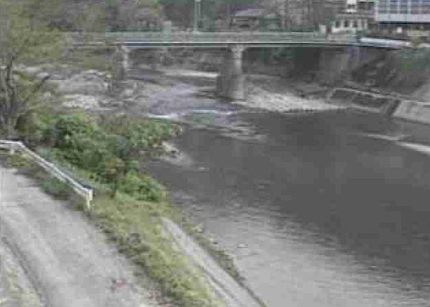 川辺川宮園橋ライブカメラは、熊本県五木村西谷の宮園橋に設置された川辺川が見えるライブカメラです。