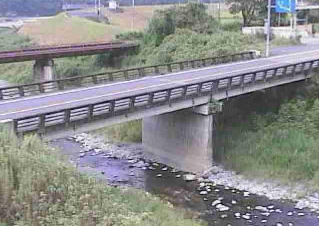 小川渡ライブカメラは、熊本県球磨村の渡に設置された小川が見えるライブカメラです。