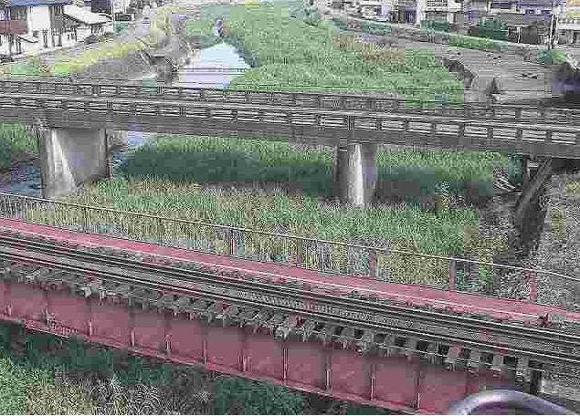 山田川染戸橋ライブカメラは、熊本県人吉市鶴田町の染戸橋に設置された山田川・JR九州肥薩線が見えるライブカメラです。