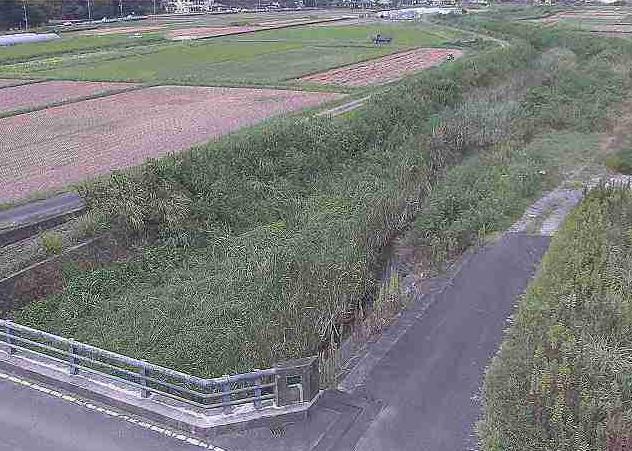今泉川三石橋ライブカメラは、熊本県上天草市松島町の三石橋に設置された今泉川が見えるライブカメラです。