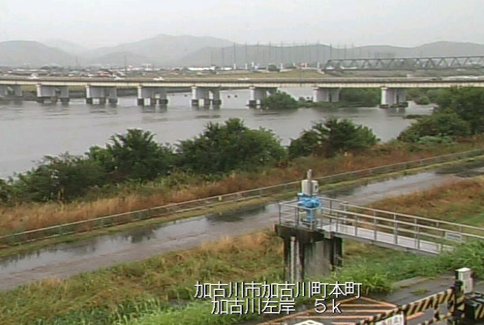 加古川本町ライブカメラは、兵庫県加古川市加古川町の本町に設置された加古川が見えるライブカメラです。