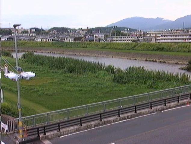 大和川昭和橋上流ライブカメラは、奈良県三郷町勢野東の昭和橋上流に設置された大和川が見えるライブカメラです。