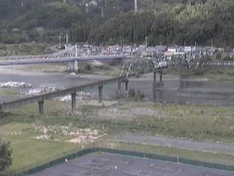 天竜川県北遠合同庁舎ライブカメラは、静岡県浜松市天竜区の県北遠合同庁舎に設置された天竜川が見えるライブカメラです。