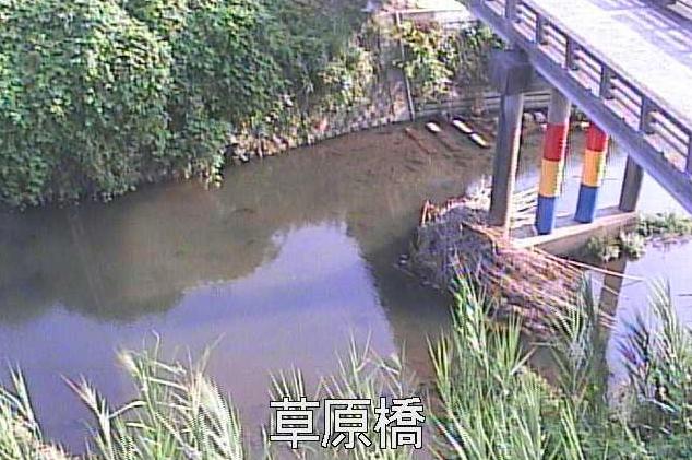 平佐川草原橋ライブカメラは、鹿児島県薩摩川内市平佐町の草原橋に設置された平佐川が見えるライブカメラです。