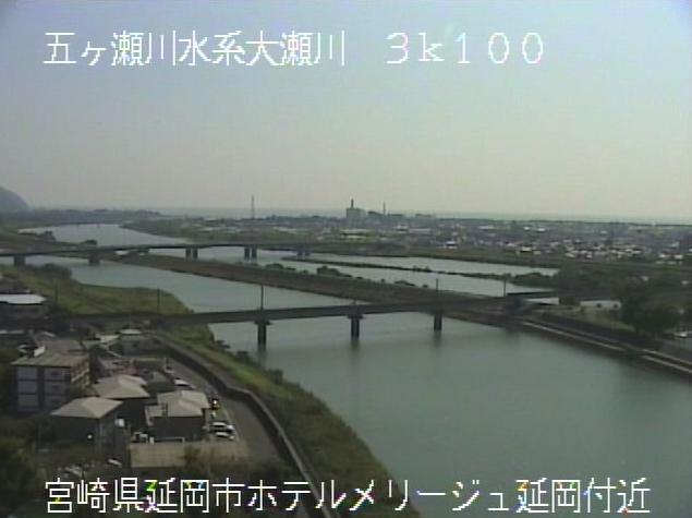 大瀬川ホテルメリージュ延岡ライブカメラは、宮崎県延岡市紺屋町のホテルメリージュ延岡に設置された大瀬川が見えるライブカメラです。