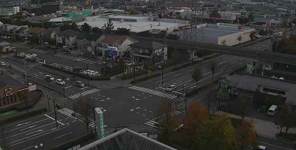 佐久平駅前交差点ライブカメラは、長野県佐久市佐久平駅の佐久平プラザ21に設置された佐久平駅前交差点・国道141号が見えるライブカメラです。