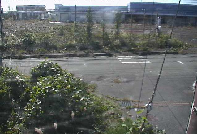 新夜ノ森団地ライブカメラは、福島県富岡町本岡の新夜ノ森団地に設置された福島県道165号夜ノ森停車場線が見えるライブカメラです。
