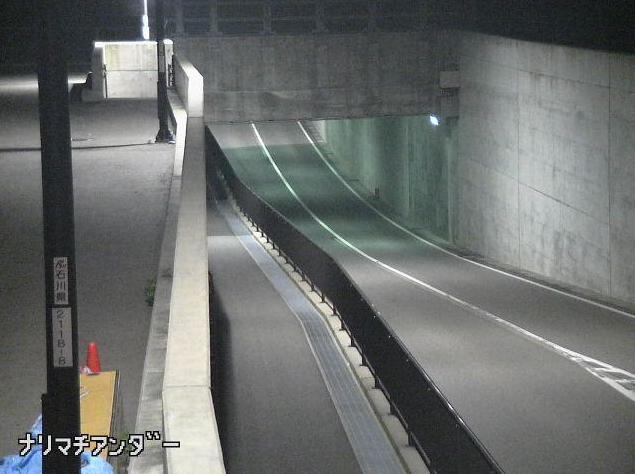 石川県道104号松任美川線成町アンダーライブカメラは、石川県白山市成町の成町アンダーに設置された石川県道104号松任美川線が見えるライブカメラです。