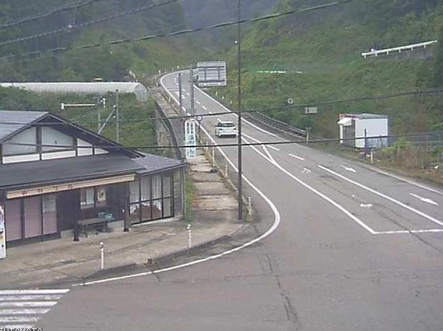 石川県道27号金沢井波線二俣ライブカメラは、石川県金沢市二俣町の二俣に設置された石川県道27号金沢井波線が見えるライブカメラです。