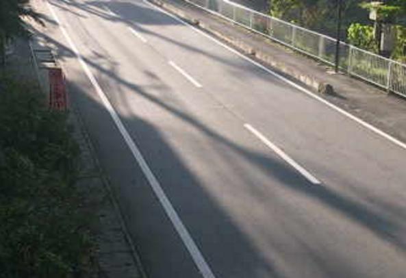 国道299号上野村ふれあい館付近ライブカメラは、群馬県上野村楢原の上野村ふれあい館付近に設置された国道299号(西上州やまびこ街道)が見えるライブカメラです。