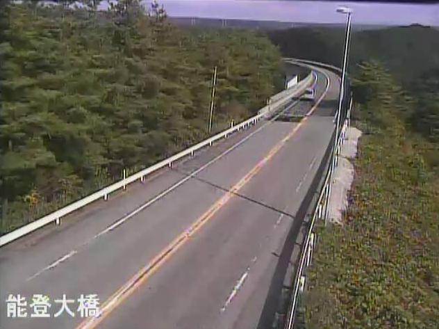 のと里山海道能登大橋ライブカメラは、石川県穴水町宇留地の能登大橋(越の原インターチェンジ~穴水インターチェンジ)に設置されたのと里山海道が見えるライブカメラです。