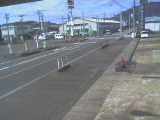 弥彦街道美山交差点ライブカメラは、新潟県弥彦村美山のタケダ自動車産業弥彦給油所に設置された弥彦街道・美山交差点・新潟県道29号吉田弥彦線が見えるライブカメラです。