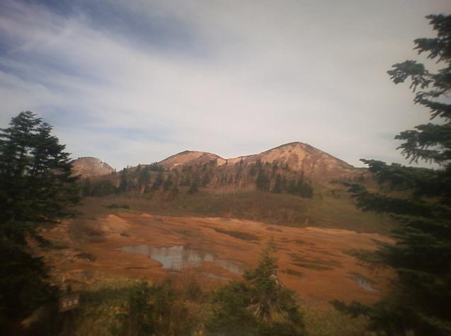高谷池火打山ライブカメラは、新潟県妙高市杉野澤の高谷池ヒュッテに設置された高谷池・火打山が見えるライブカメラです。