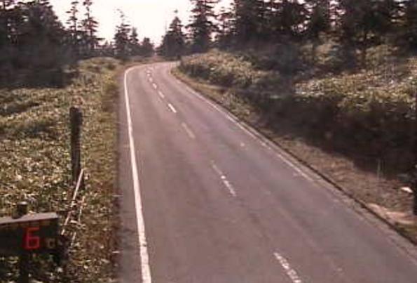 国道292号渋峠ライブカメラは、群馬県中之条町入山の渋峠に設置された国道292号が見えるライブカメラです。