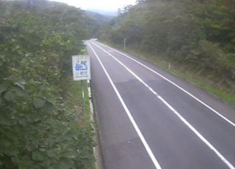 鳥取県道29号三朝東郷線波関峠ライブカメラは、鳥取県三朝町片柴の波関峠に設置された鳥取県道29号三朝東郷線が見えるライブカメラです。