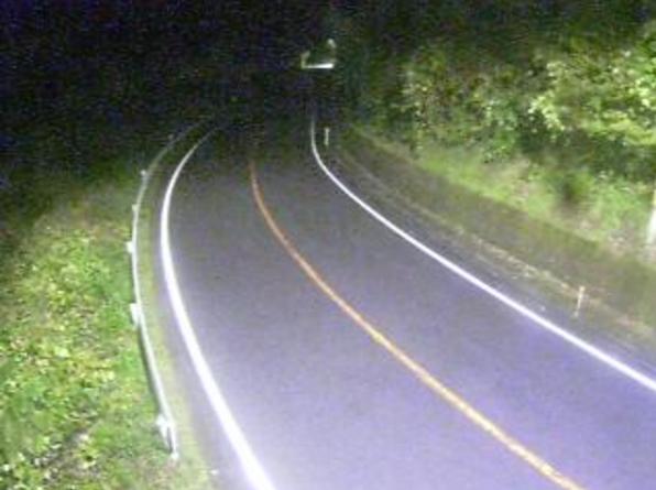 国道180号門谷ライブカメラは、鳥取県日野町門谷の門谷に設置された国道180号が見えるライブカメラです。