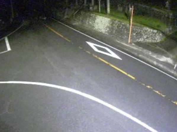 鳥取県道8号新見日南線下石見ライブカメラは、鳥取県日南町下石見の下石見(石見神社付近)に設置された鳥取県道8号新見日南線が見えるライブカメラです。
