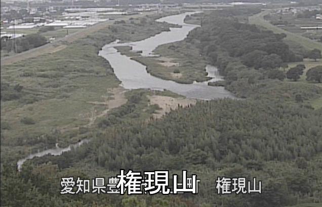 豊川権現山ライブカメラは、愛知県豊川市三上町の権現山に設置された豊川が見えるライブカメラです。