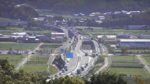 KATCH国道23号西尾市八ツ面町ライブカメラは、愛知県西尾市の八ツ面町に設置された国道23号が見えるライブカメラです。