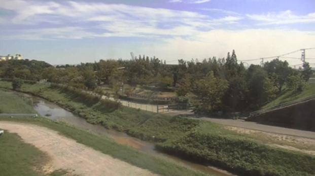 KATCH半場川安城市赤松町ライブカメラは、愛知県安城市の赤松町に設置された半場川が見えるライブカメラです。