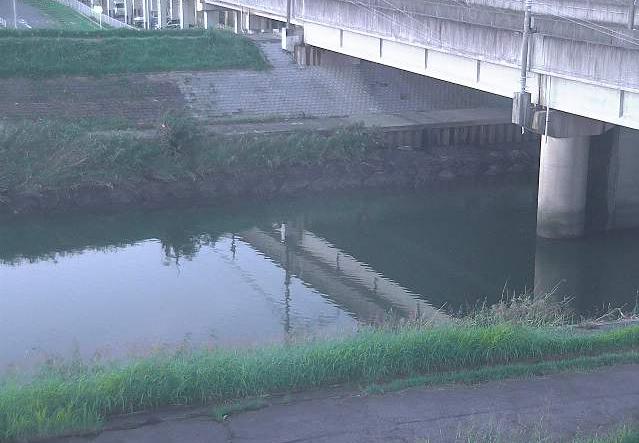 新川電車川排水機場ライブカメラは、愛知県北名古屋市加島新田の電車川排水機場に設置された新川が見えるライブカメラです。