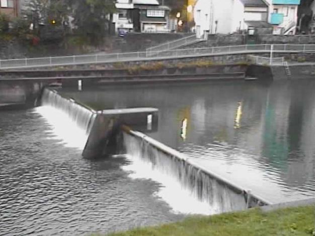 犀川下菊橋ライブカメラは、石川県金沢市清川町の下菊橋に設置された犀川が見えるライブカメラです。
