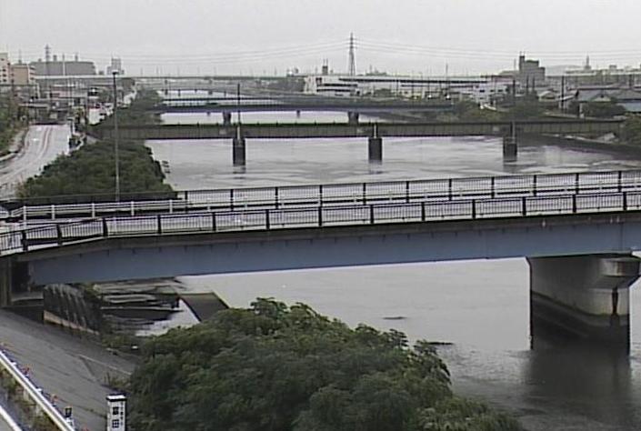 新川西伏屋ライブカメラは、愛知県名古屋市中川区の西伏屋に設置された新川が見えるライブカメラです。