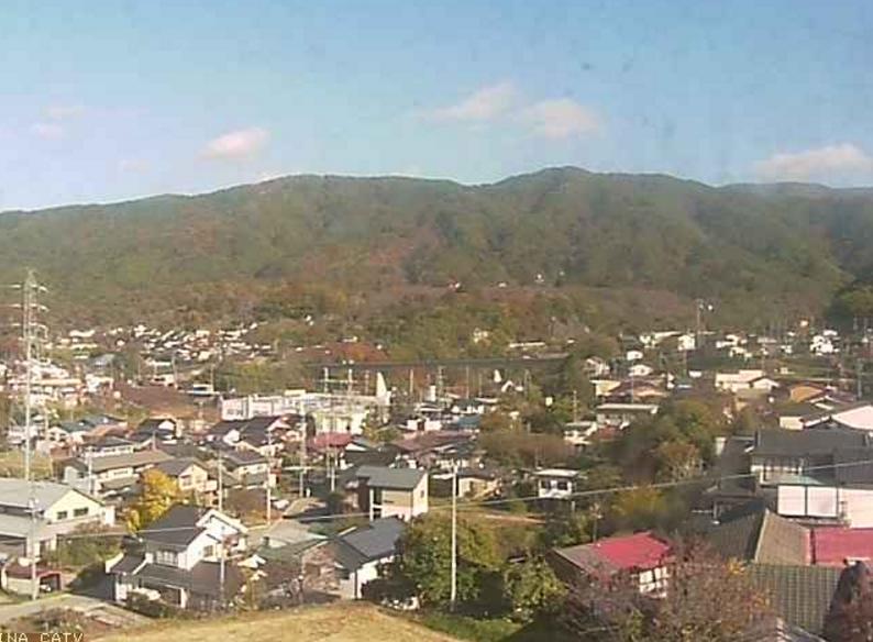 高遠町一望ライブカメラは、長野県伊那市の高遠町西高遠に設置された高遠町市街地が見えるライブカメラです。