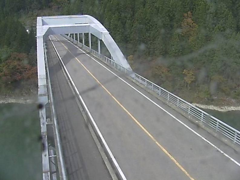 国道252号高清水大橋第1ライブカメラは、福島県三島町宮下の高清水大橋に設置された国道252号(沼田街道)・只見川が見えるライブカメラです。