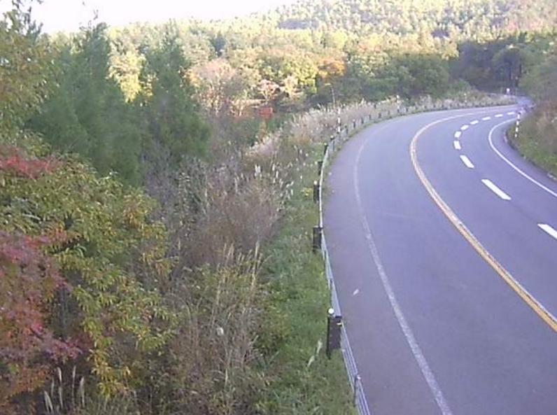 国道115号片栗橋第2ライブカメラは、福島県福島市土湯温泉町の片栗橋に設置された国道115号(土湯バイパス)が見えるライブカメラです。