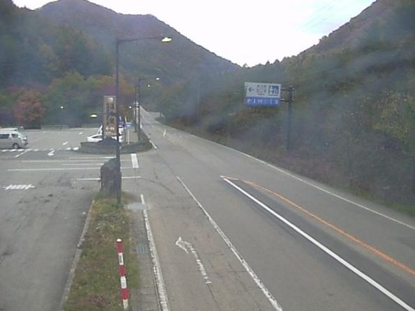 国道121号道の駅たじまライブカメラは、福島県南会津町糸沢の道の駅たじまに設置された国道121号(日光街道)が見えるライブカメラです。