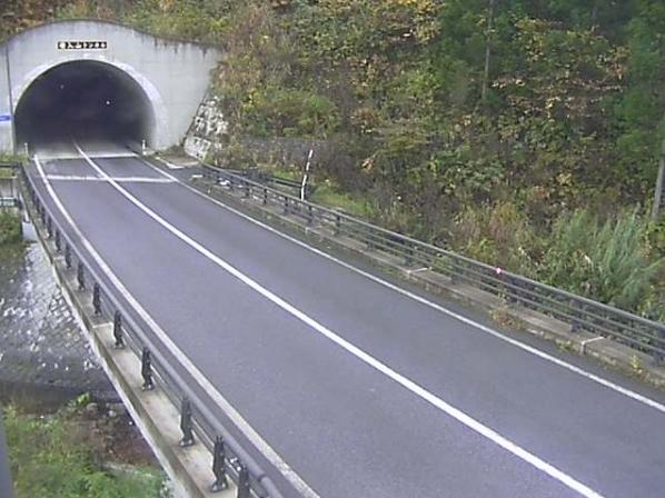 国道400号戸赤第2ライブカメラは、福島県下郷町戸赤の戸赤に設置された国道400号が見えるライブカメラです。