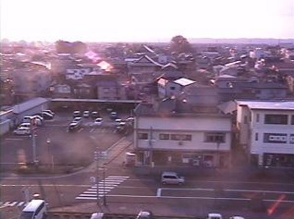見附市中央公民館ライブカメラは、新潟県見附市本町の見附市中央公民館に設置された新潟県道8号長岡見附三条線が見えるライブカメラです。
