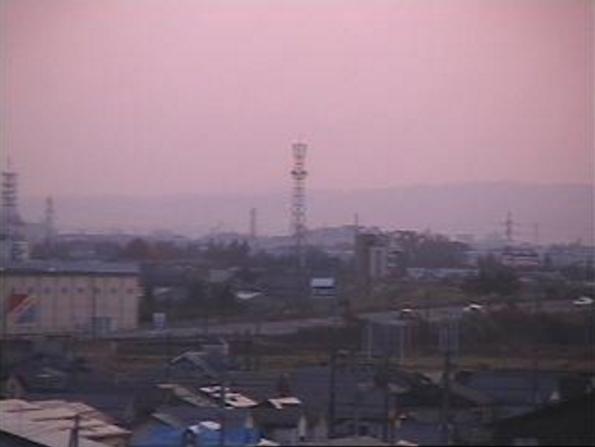 見附市立今町中学校ライブカメラは、新潟県見附市今町の見附市立今町中学校に設置された国道8号が見えるライブカメラです。