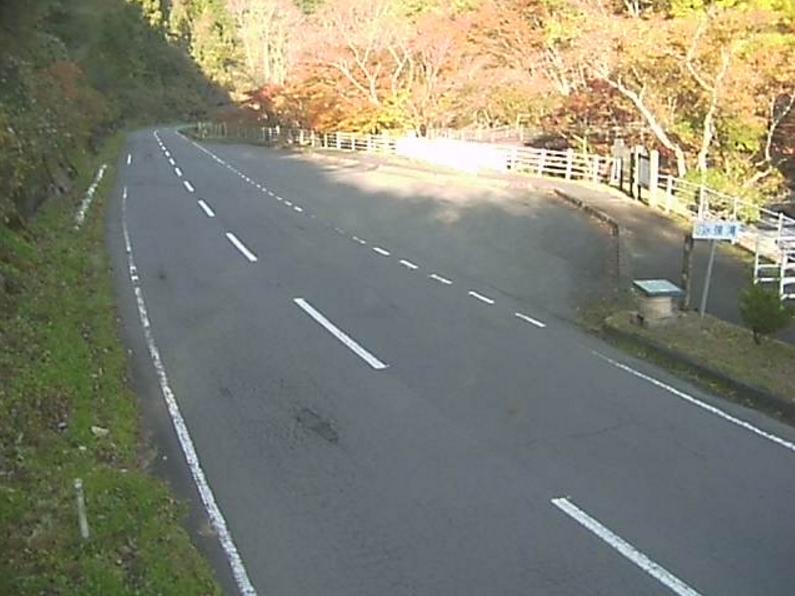 国道349号鮫川第1ライブカメラは、福島県鮫川村赤坂の鮫川(強滝付近)に設置された国道349号が見えるライブカメラです。