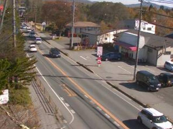 国道18号追分ライブカメラは、長野県軽井沢町追分の軽井沢町立西部小学校付近に設置された国道18号(日本ロマンチック街道)が見えるライブカメラです。