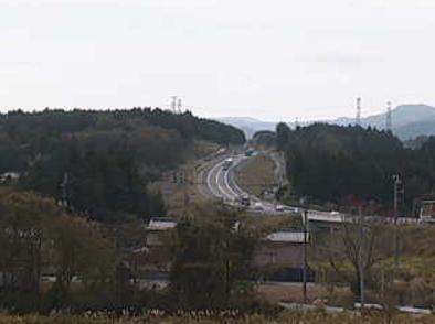 摩辰集落センターライブカメラは、福島県南相馬市小高区の摩辰集落センターに設置された常磐自動車道(常磐道)が見えるライブカメラです。