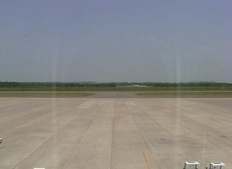 帯広空港ターミナルビルライブカメラ(北海道帯広市泉町)