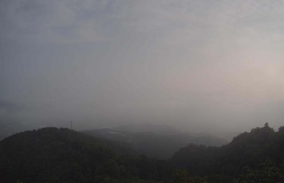 霧のテラスライブカメラ(京都府亀岡市下矢田町)