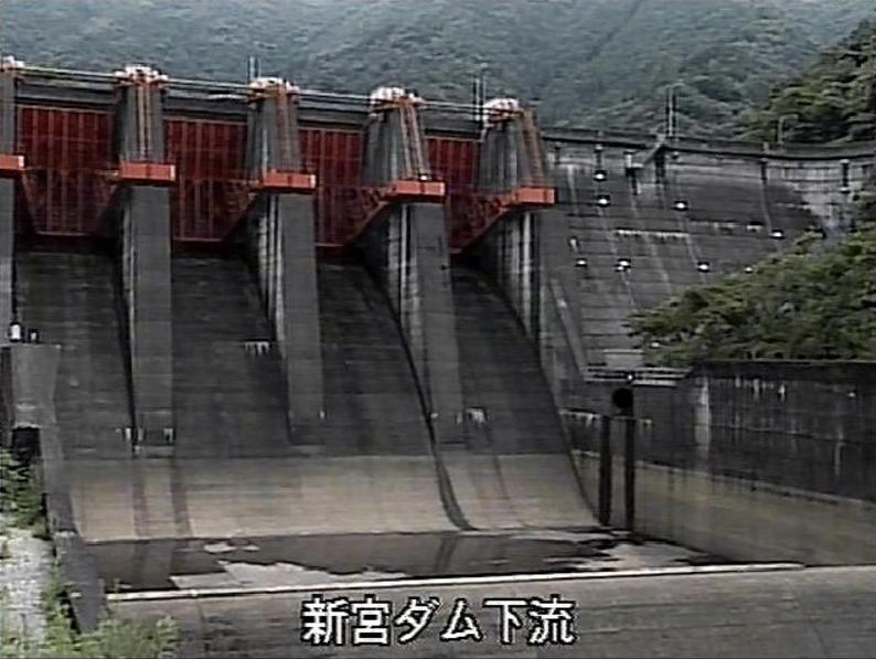 新宮ダム下流ライブカメラ(愛媛県四国中央市新宮町)