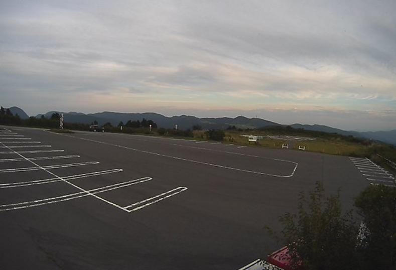 東邦航空芦ノ湖へリポートライブカメラ(静岡県裾野市茶畑)
