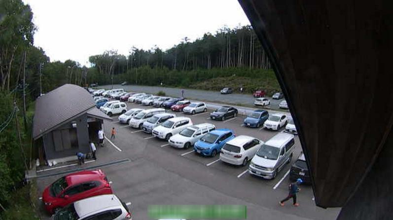白駒池駐車場第1ライブカメラ(長野県佐久穂町八郡)