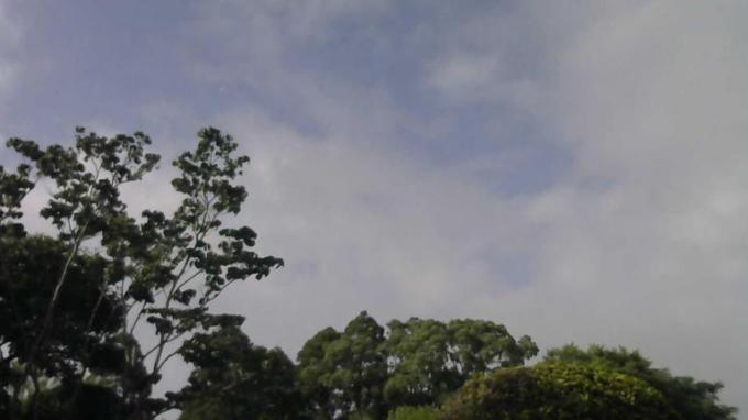 IoT百葉箱高鍋町立高鍋東小学校ライブカメラ(宮崎県高鍋町北高鍋)