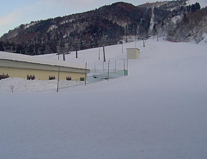 立山山麓スキー場ファミリーゲレンデライブカメラ(富山県富山市原)