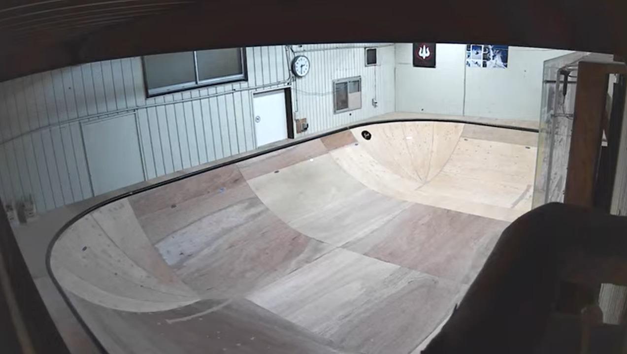 USAガレージスケートランプライブカメラ(神奈川県藤沢市鵠沼海岸)