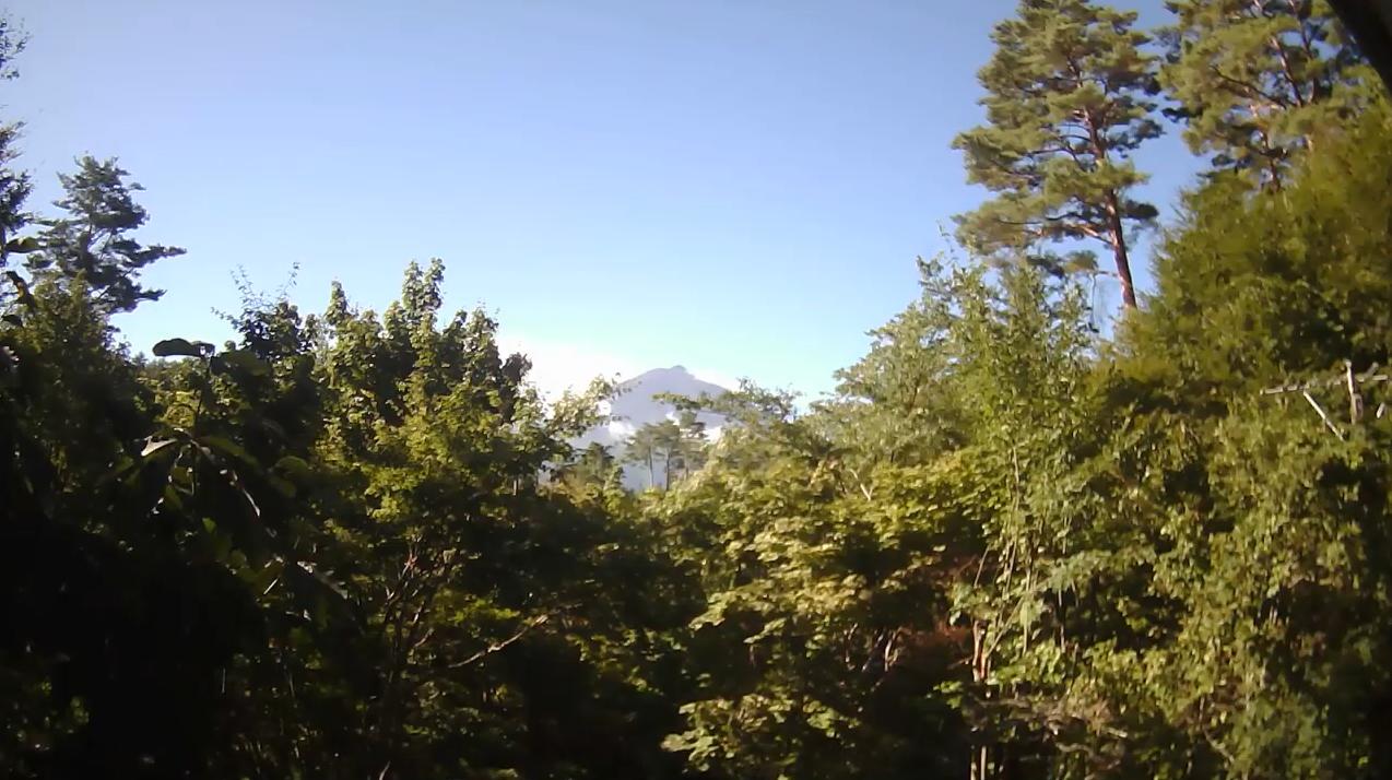 丸紅富士桜別荘地富士山ライブカメラ(山梨県鳴沢村鳴沢)