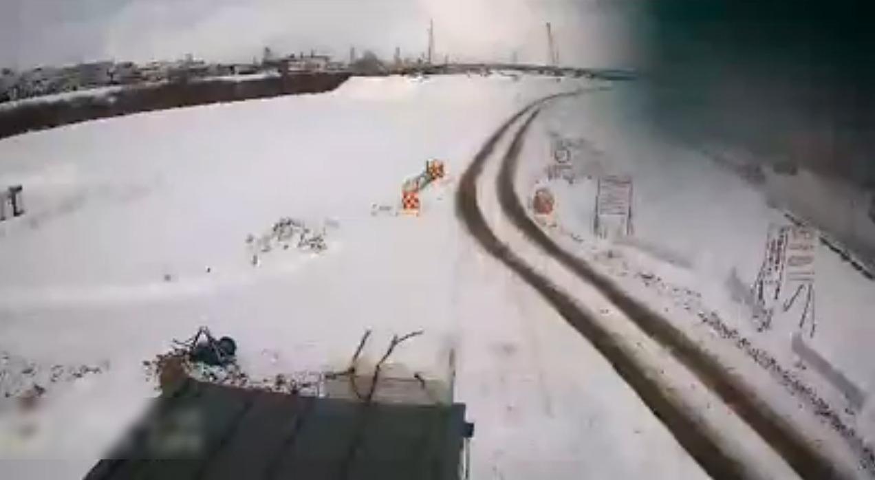 札幌市環状北大橋下流右岸雪堆積場ライブカメラ(北海道札幌市白石区)