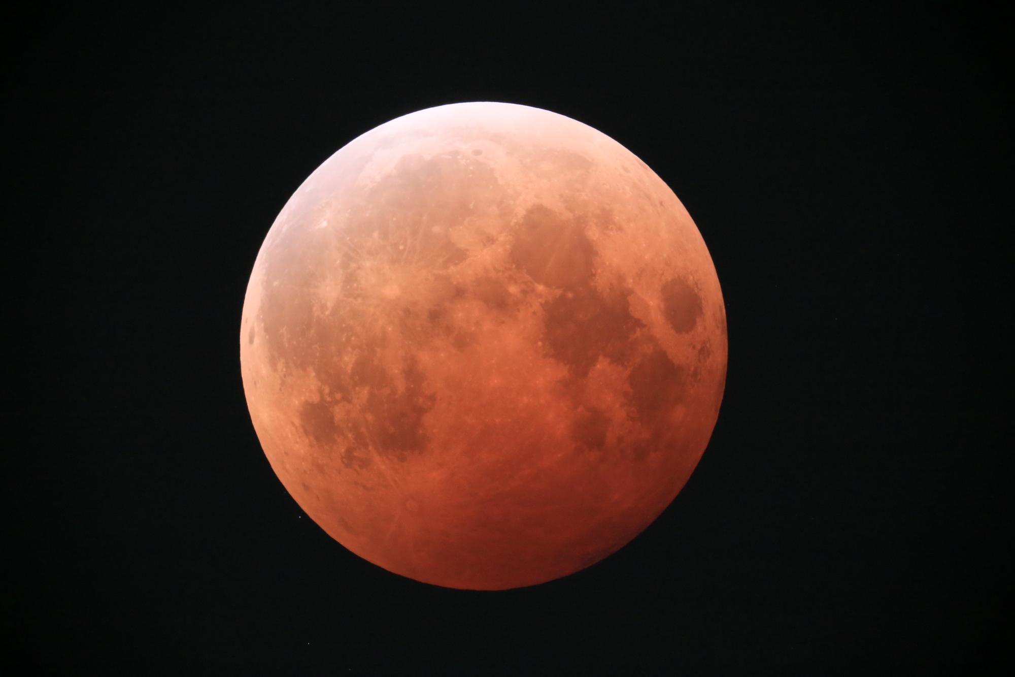 皆既月食ライブカメラ一覧